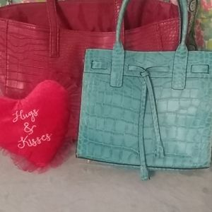 NWOT Turquoise color faux alligator tassels purse